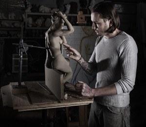 24Sculpture-Artist-300x262.jpg