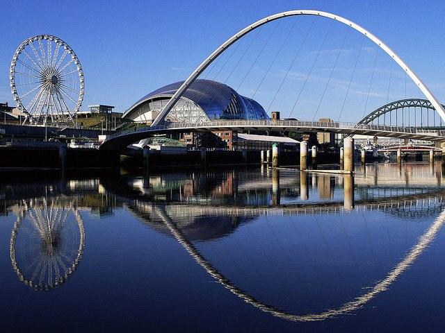 Gateshead Millennium Bridge, England | Flickr - Photo Sharing!