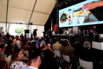 zSUAlaxDwTOlXV?quality=420&allowAnimation=true&filterEffectsFormula=Contrast=1.3,Saturate=1 - Segunda jornada de la Feria Gran Canaria Me Gusta continuó  con  gran actividad y afluencia de público y se llena de Estrellas Michelin